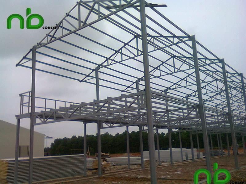 Kết cấu bao che và tạo hình được xây lắp dựa trên mái tôn và tôn tường