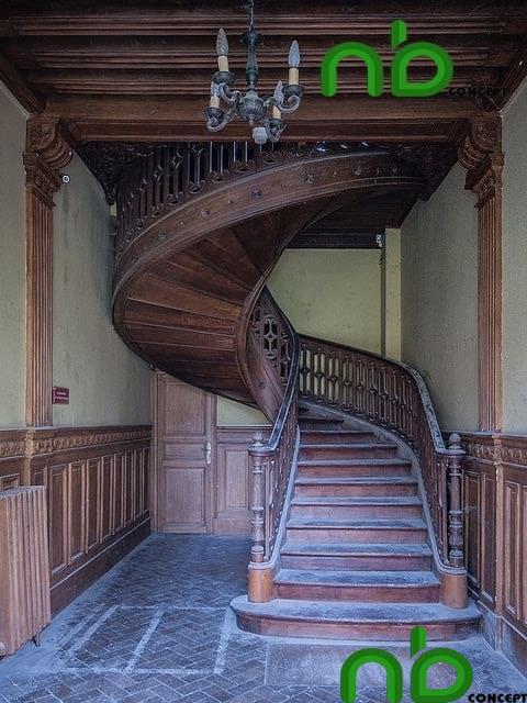 Mẫu thiết kế cầu thang gỗ đẹp hiện đại pha chút cổ kính