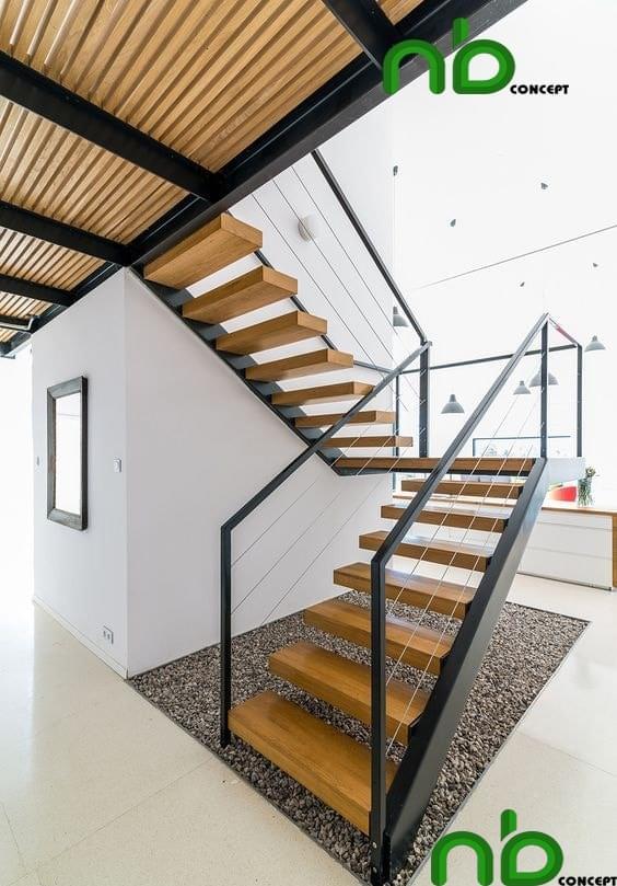 Cầu thang gỗ tự nhiên đơn giản mà nổi bật