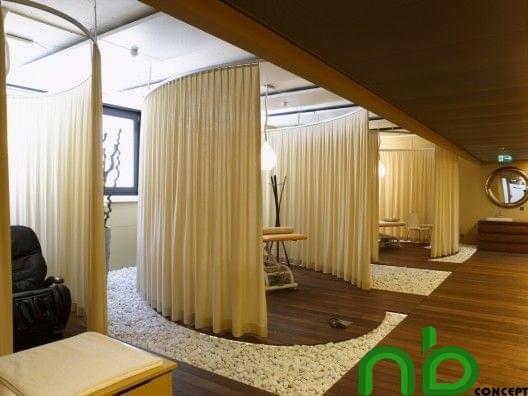 Những gian phòng spa được đặt cách xa nhau